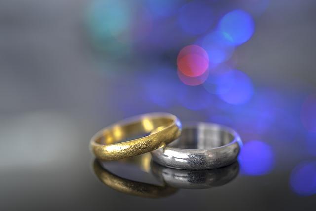 engagement-1829483_640